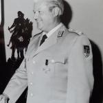 Johann Dick erhält das Ehrenkreuz der Bundeswehr>