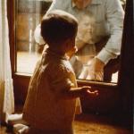 Johann Dick mit seiner Enkelin>
